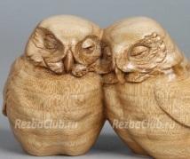 Две совы из дерева
