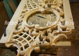 Как вырезать декоративную панель с растительным орнаментом и решеткой