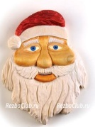 Веселый Санта Клаус из дерева