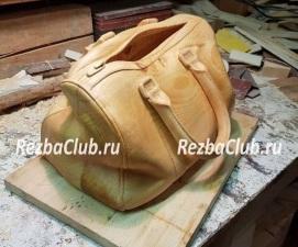 Как вырезать из дерева сумку