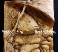 Рыбка под камнем - панно