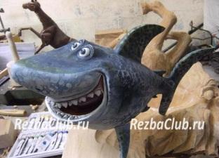 Акула - мультяшная фигурка
