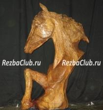 Голова лошади — скульптура бензопилой